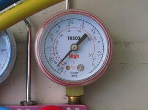 ゲージで低圧圧力測定