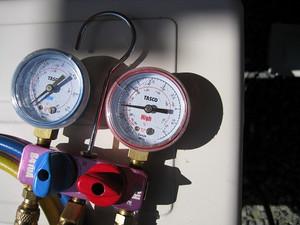 エアコンのガス圧計