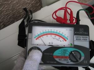 接地抵抗計で測定