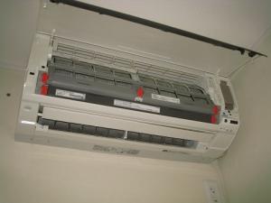 無線LANアダプタを取り付ける室内機