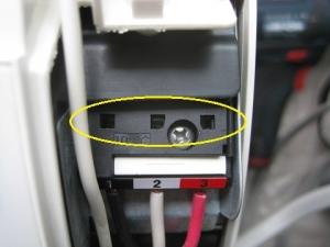 端子台差し込み確認窓に電線が見えない