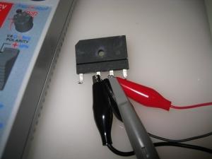 ダイオードスタックへ交流13Vとオシロを並列接続