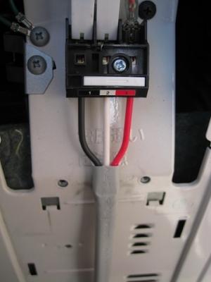 エアコン室外機の端子台