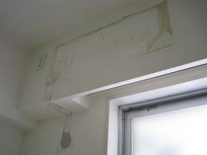 エアコンの撤去が終わった室内