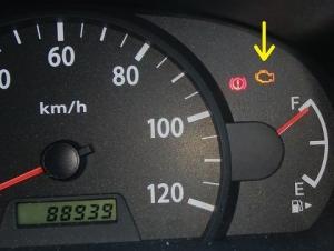 作業車のエンジンチェックランプ点灯