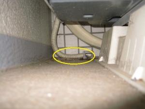大規模修繕工事でドレン管が持ち上がってポコポコ音が発生