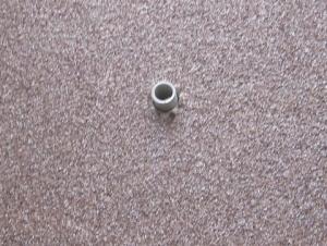 ネズミの被害を防ぐため壁貫通部に塩ビ管を挿入