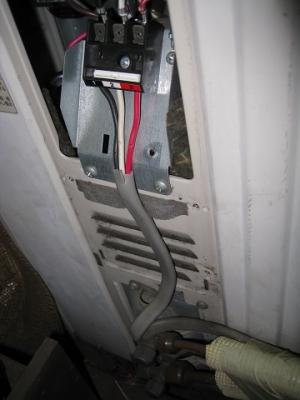 だらしない電線接続を直す