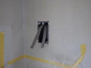 電線接続箇所にボックスを付けて