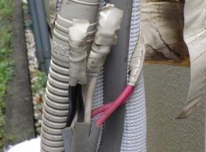 電線接続箇所のテープ巻きが素人