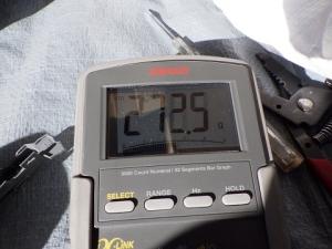 スイッチを押すと272.5Ω