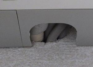 配管穴にスリーブが付いていない