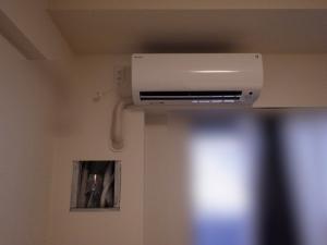 エアコン室内側施工完了